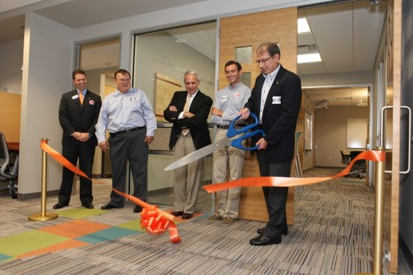 Jeff Gold cuts the ribbon for the Experiential Learning Laboratory